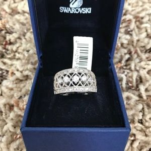 Jewelry - Crystal/CZ Filigree wide band Ring - size 7 (NWT)